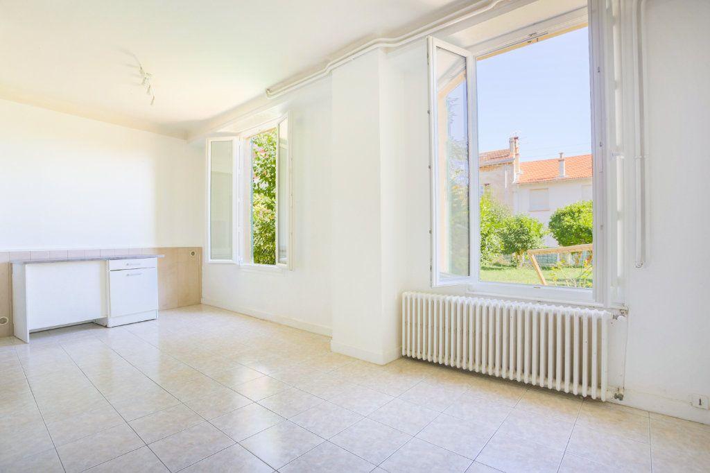Appartement à louer 1 36.61m2 à Le Cannet vignette-4