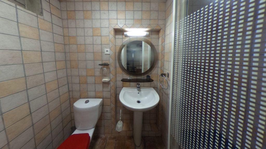 Appartement à louer 1 26.2m2 à Aix-en-Provence vignette-4