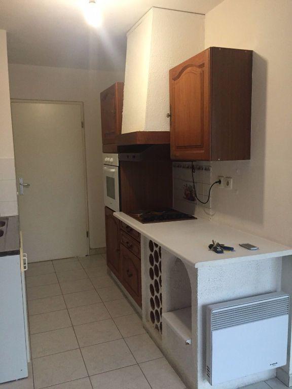 Appartement à louer 3 70.39m2 à Aix-en-Provence vignette-2