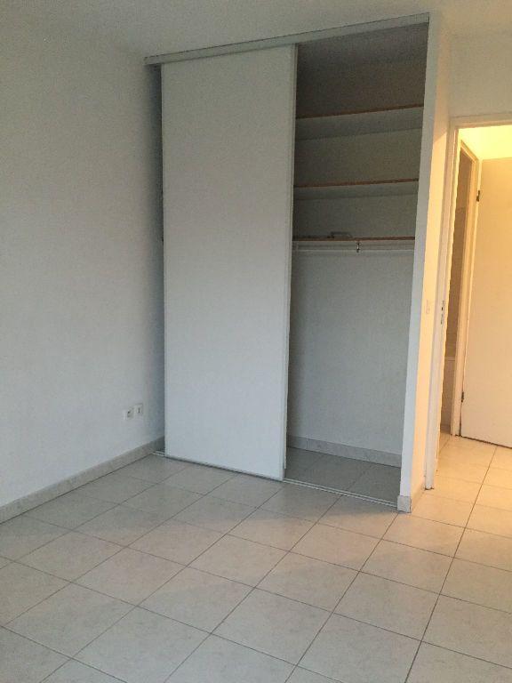 Appartement à louer 3 70.39m2 à Aix-en-Provence vignette-4