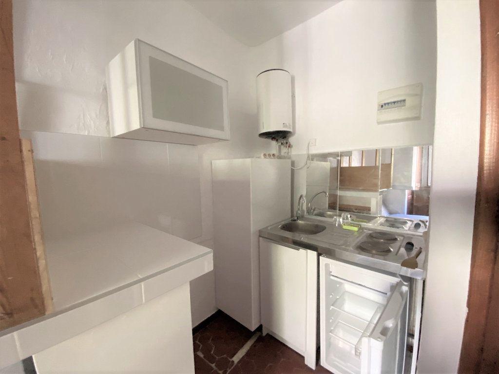 Appartement à louer 1 14.4m2 à Aix-en-Provence vignette-2