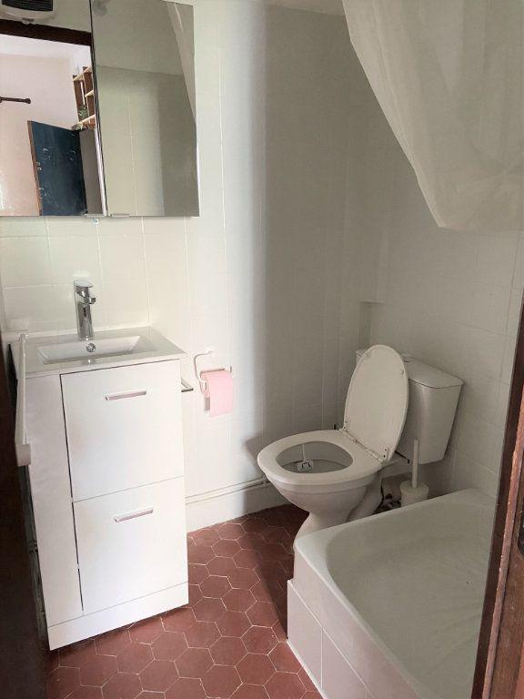 Appartement à louer 1 14.4m2 à Aix-en-Provence vignette-3
