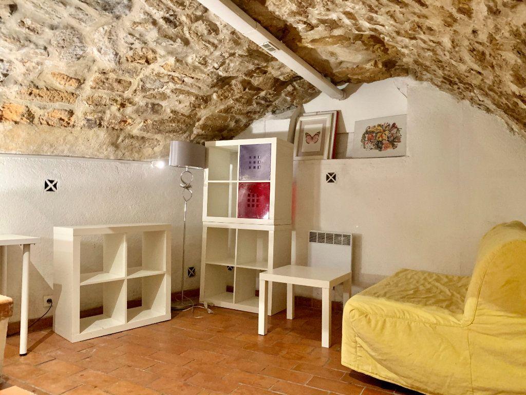 Appartement à louer 1 14m2 à Aix-en-Provence vignette-1