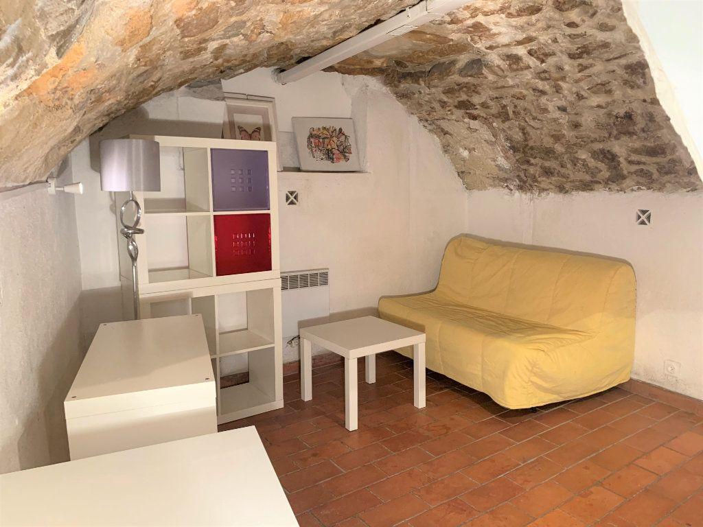 Appartement à louer 1 14m2 à Aix-en-Provence vignette-2