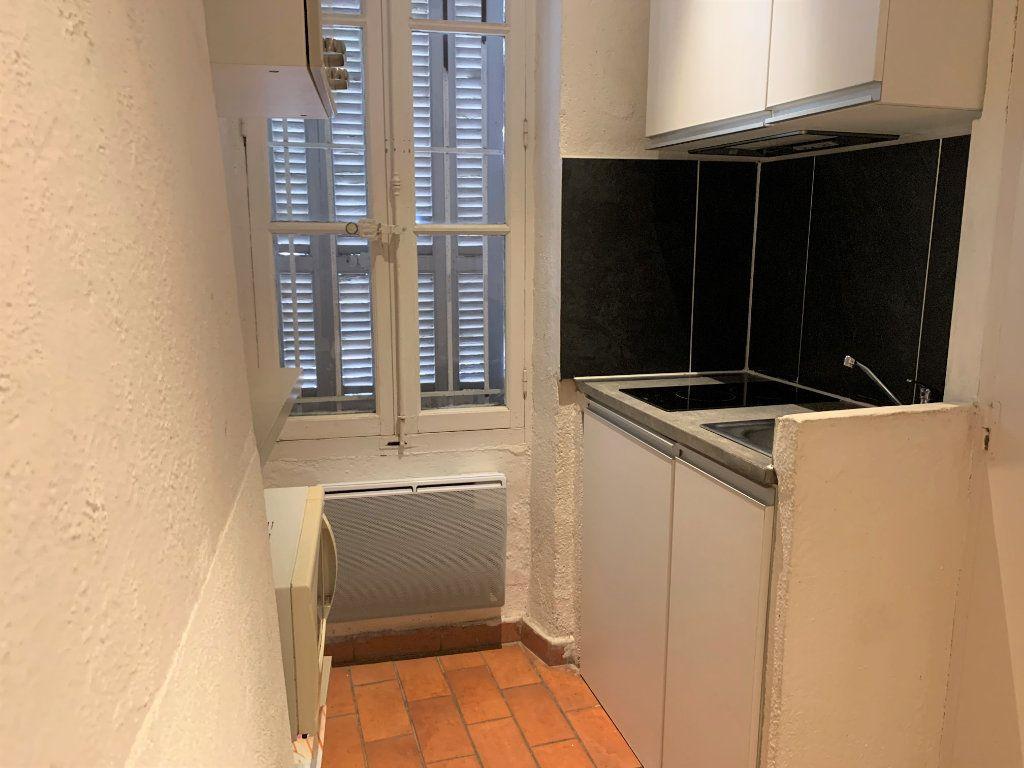 Appartement à louer 1 14m2 à Aix-en-Provence vignette-3
