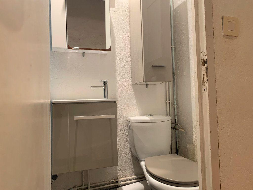 Appartement à louer 1 14m2 à Aix-en-Provence vignette-5