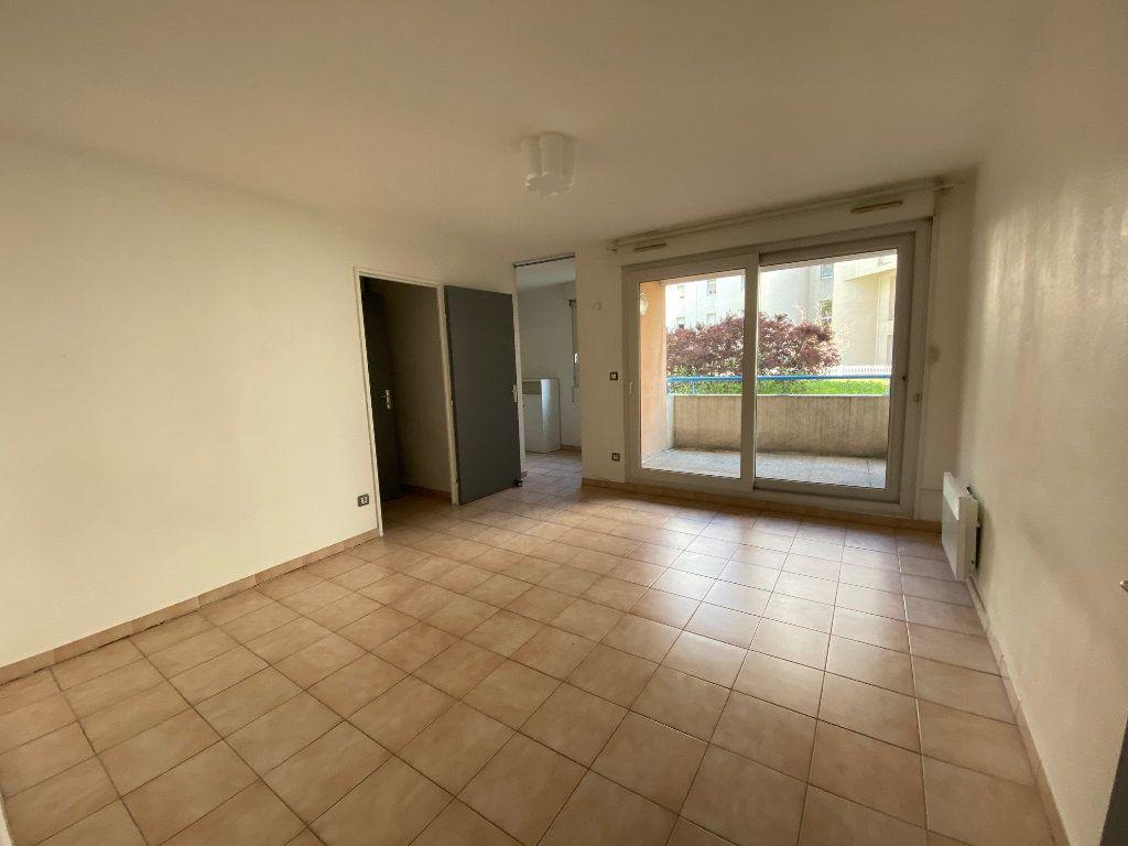 Appartement à louer 1 31.64m2 à Aix-en-Provence vignette-1