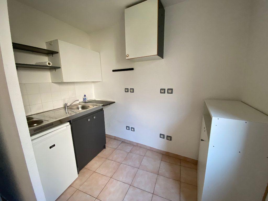 Appartement à louer 1 31.64m2 à Aix-en-Provence vignette-3