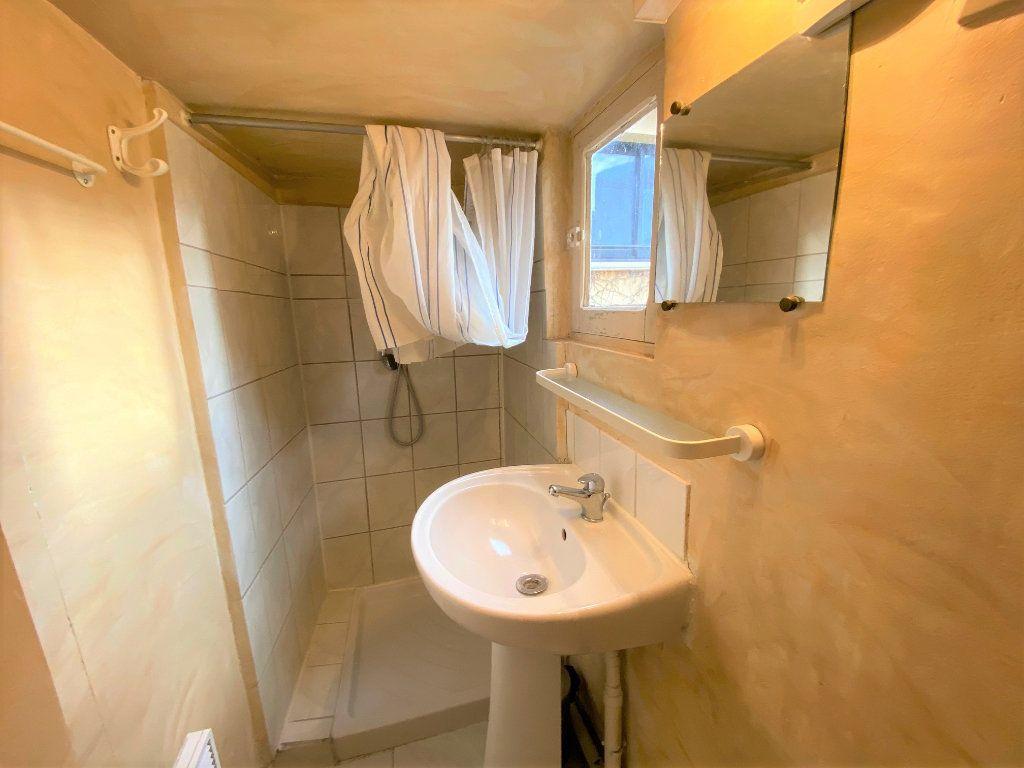 Appartement à louer 1 21.69m2 à Aix-en-Provence vignette-6
