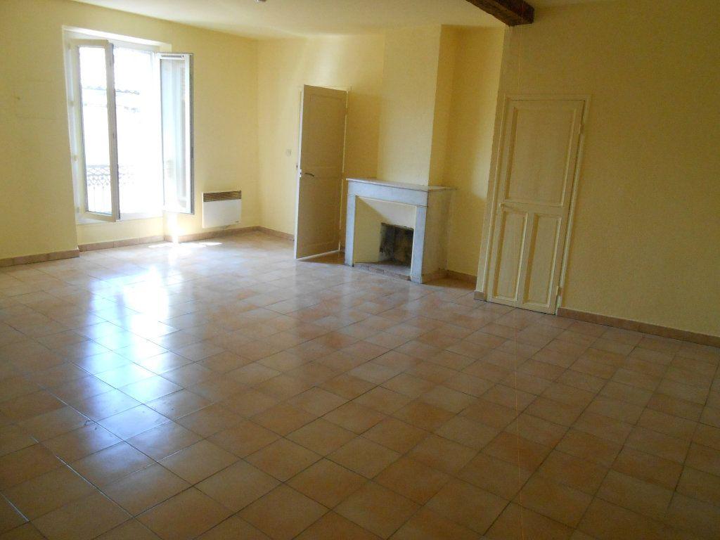 Appartement à louer 2 65.19m2 à Éguilles vignette-1
