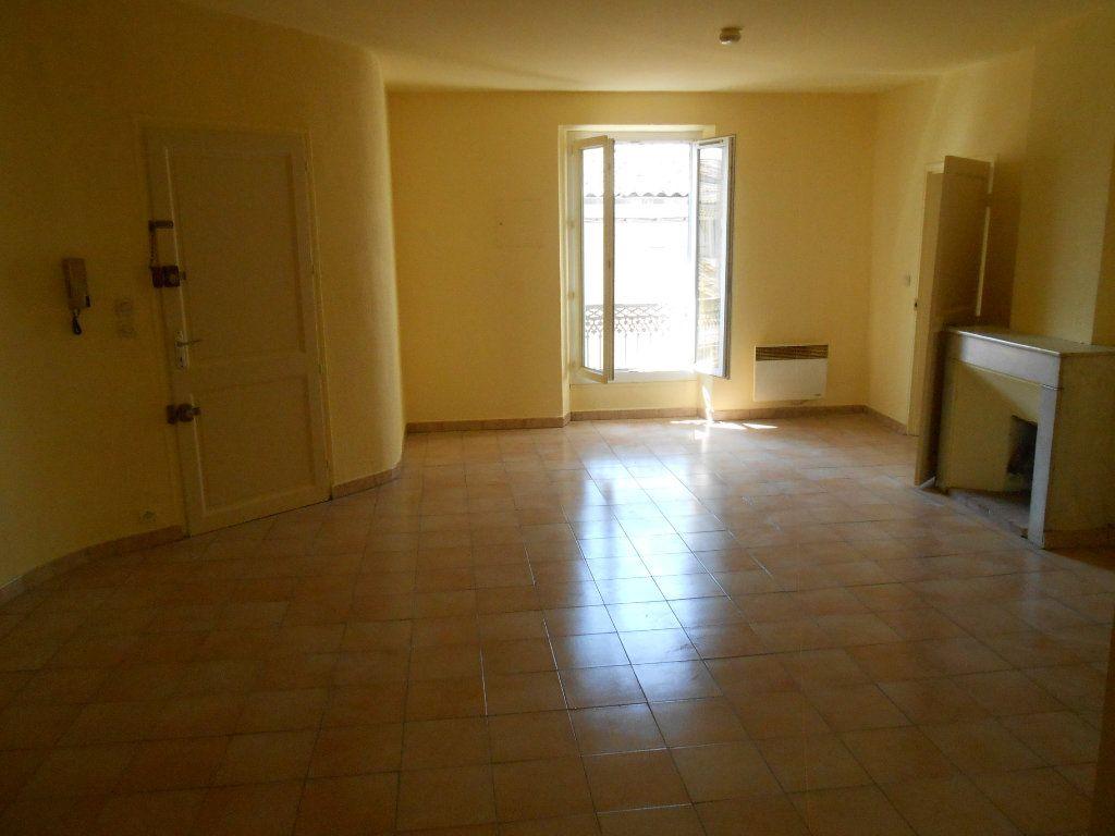 Appartement à louer 2 65.19m2 à Éguilles vignette-3