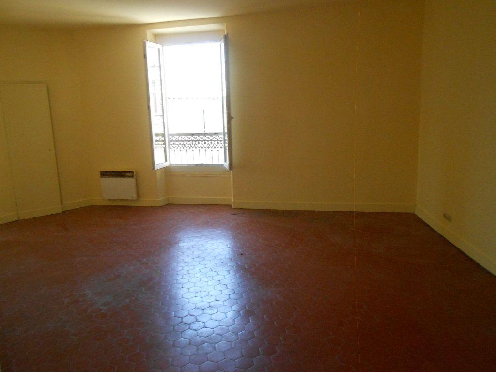 Appartement à louer 2 65.19m2 à Éguilles vignette-4