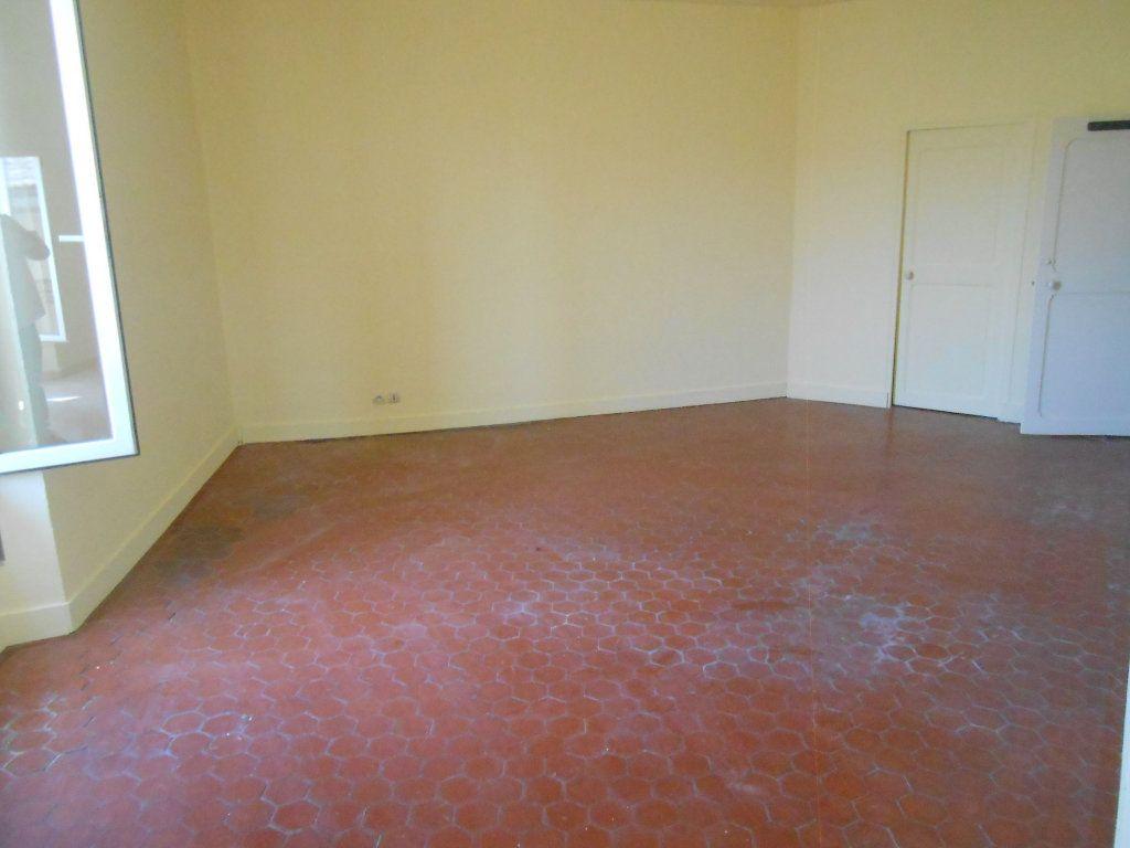 Appartement à louer 2 65.19m2 à Éguilles vignette-6
