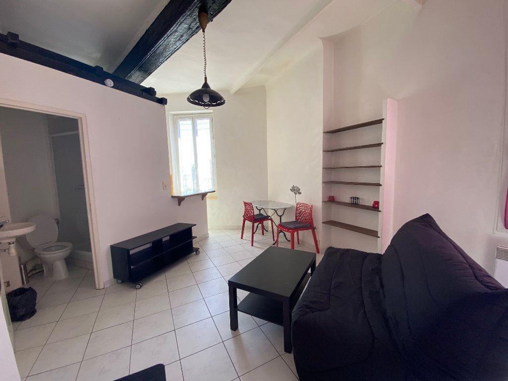 Appartement à louer 1 21.88m2 à Aix-en-Provence vignette-2