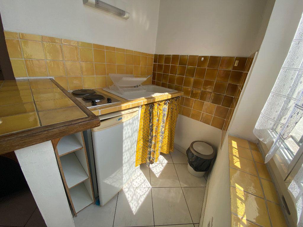 Appartement à louer 1 21.88m2 à Aix-en-Provence vignette-4