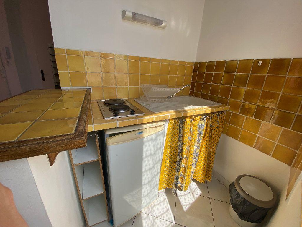 Appartement à louer 1 21.88m2 à Aix-en-Provence vignette-5
