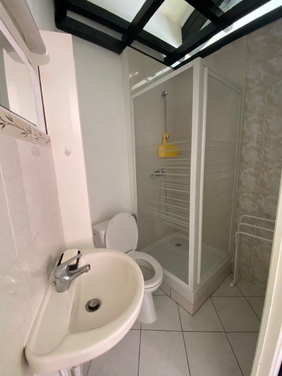 Appartement à louer 1 21.88m2 à Aix-en-Provence vignette-6