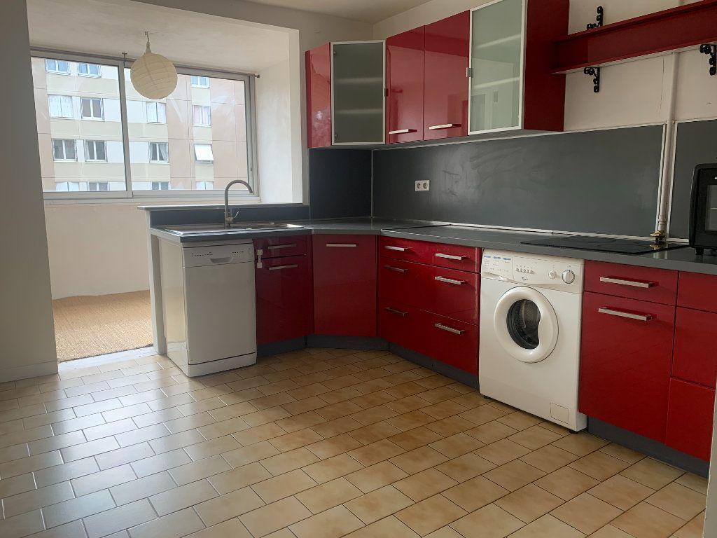 Appartement à louer 4 79.77m2 à Aix-en-Provence vignette-1