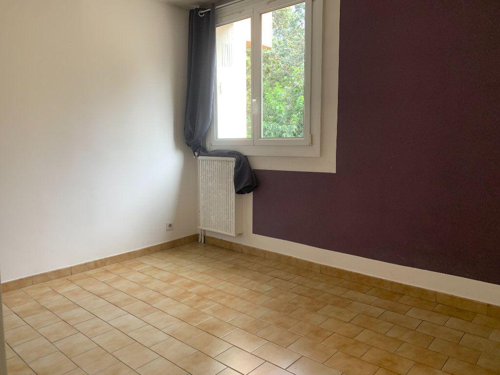 Appartement à louer 4 79.77m2 à Aix-en-Provence vignette-5