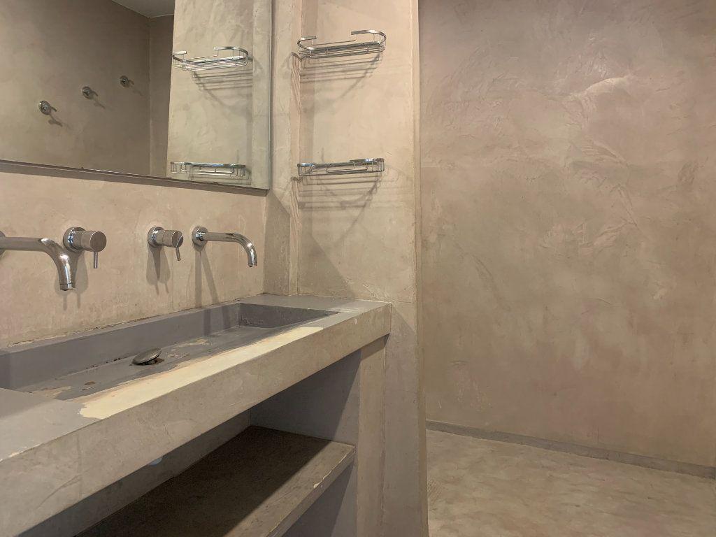 Appartement à louer 4 79.77m2 à Aix-en-Provence vignette-6