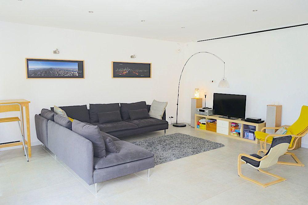 Maison à louer 10 240m2 à Ventabren vignette-5