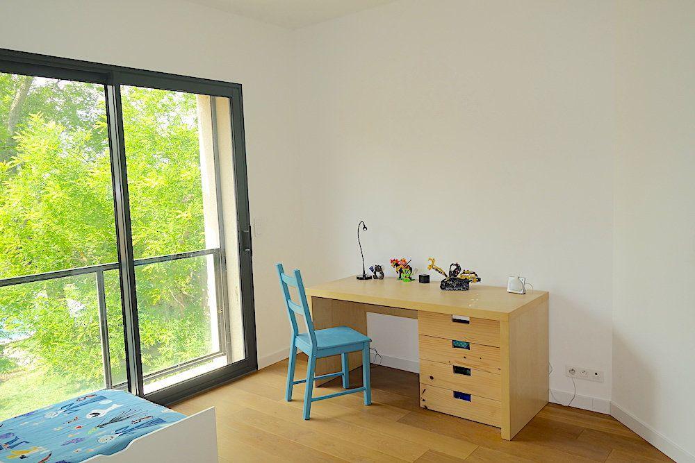Maison à louer 10 240m2 à Ventabren vignette-9