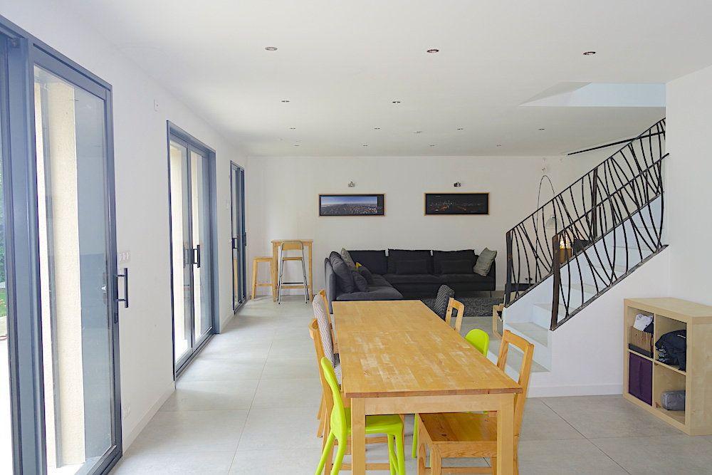 Maison à louer 10 240m2 à Ventabren vignette-13