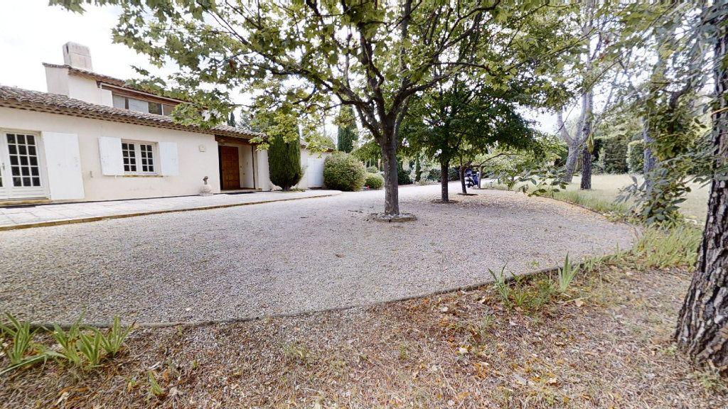 Maison à vendre 5 130m2 à Ventabren vignette-1