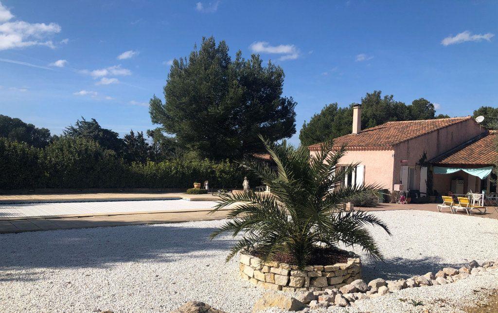 Maison à vendre 9 306m2 à Lançon-Provence vignette-2