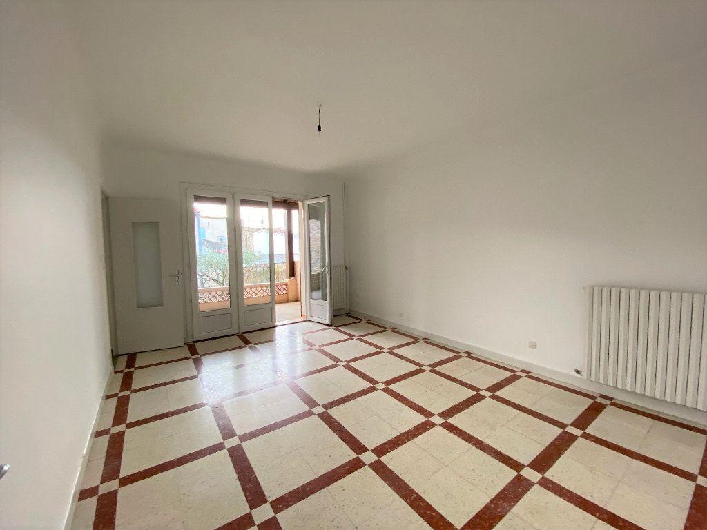 Maison à louer 3 89.05m2 à La Fare-les-Oliviers vignette-3