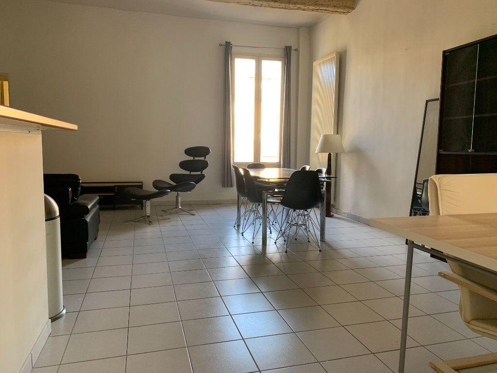 Appartement à louer 2 58.6m2 à Aix-en-Provence vignette-1