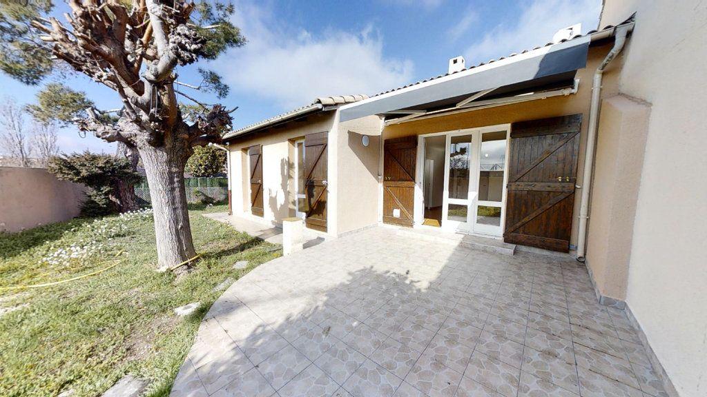 Maison à vendre 5 94.31m2 à Aix-en-Provence vignette-1
