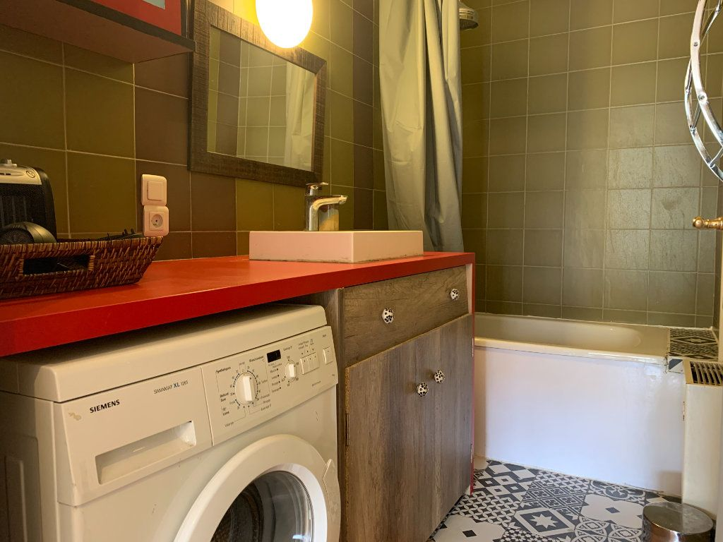 Appartement à louer 3 83.61m2 à Aix-en-Provence vignette-4