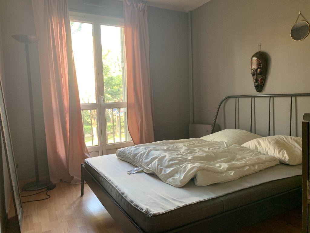 Appartement à louer 3 83.61m2 à Aix-en-Provence vignette-6