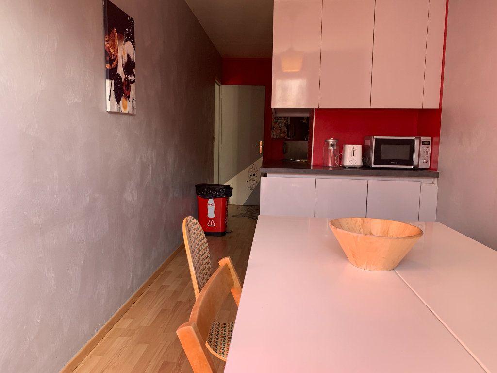 Appartement à louer 3 83.61m2 à Aix-en-Provence vignette-7