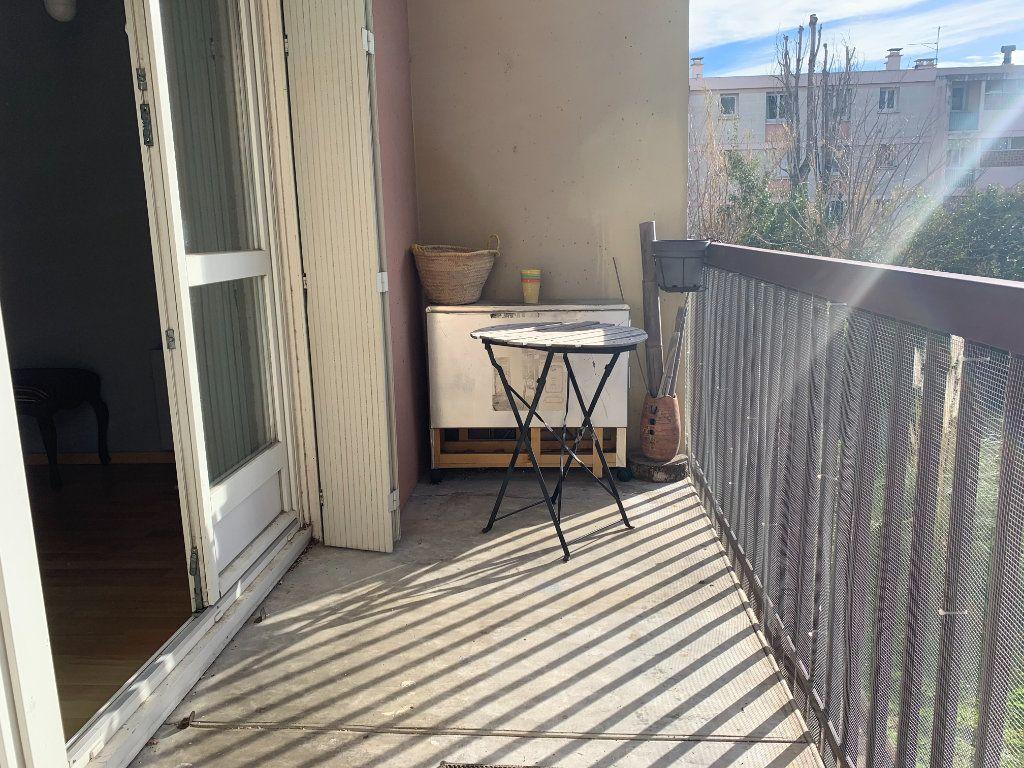 Appartement à louer 3 83.61m2 à Aix-en-Provence vignette-9