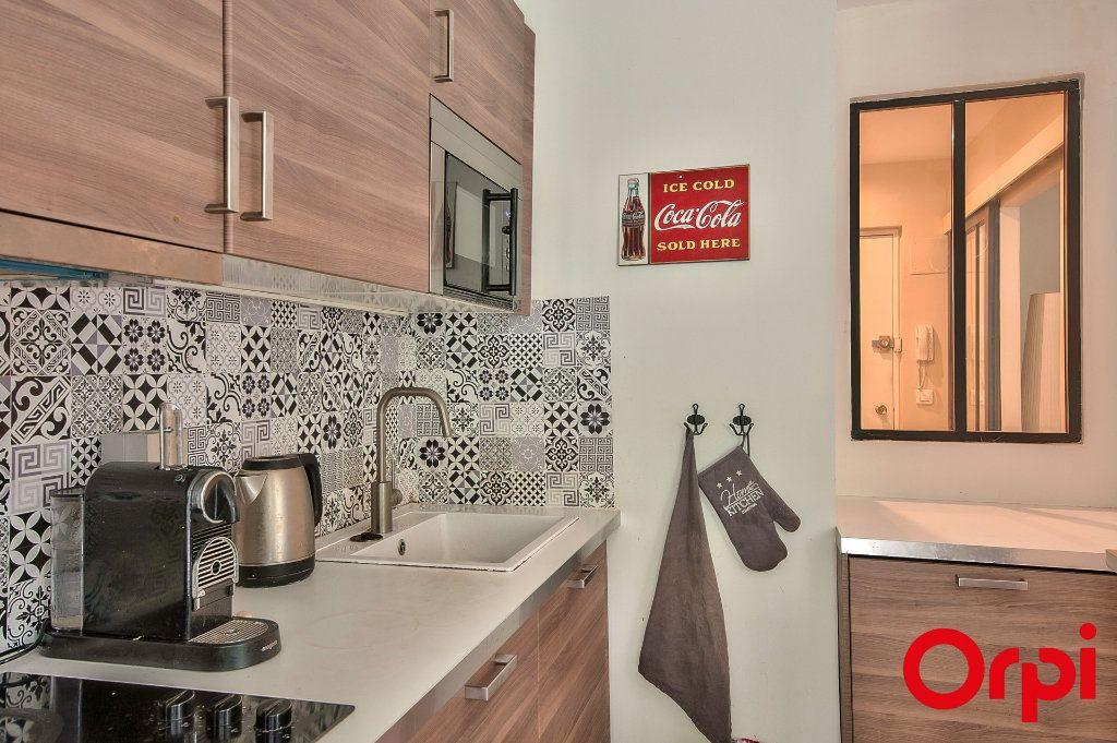 Appartement à vendre 2 46m2 à Aix-en-Provence vignette-2