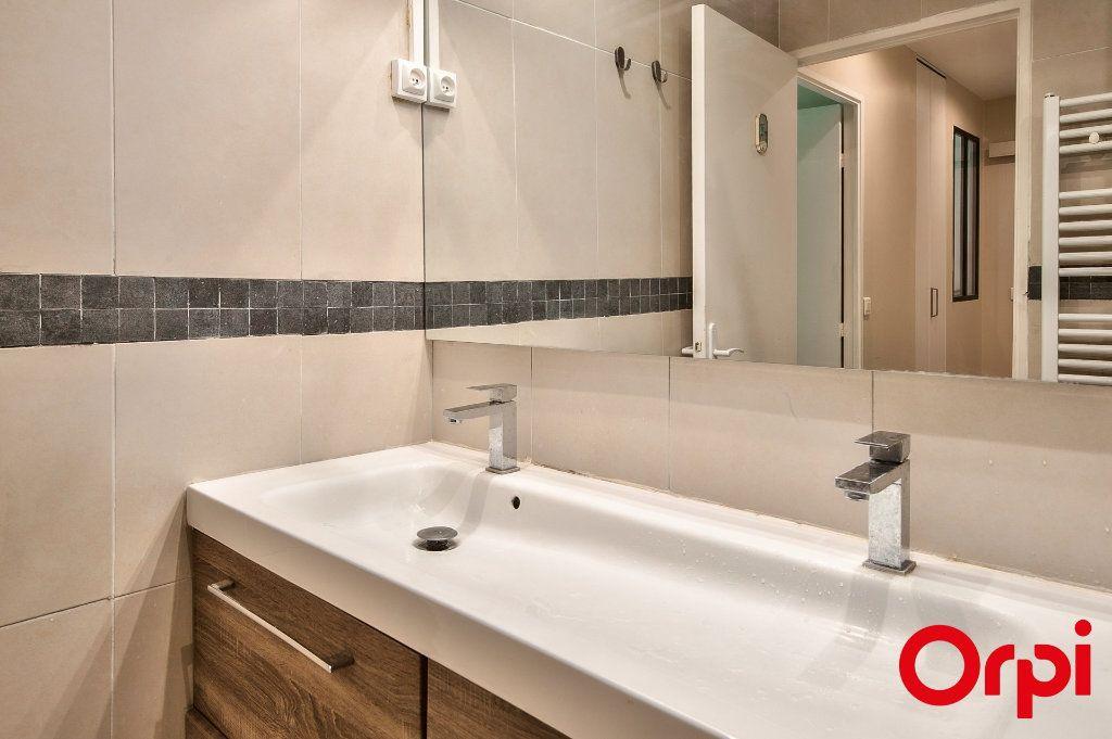 Appartement à vendre 2 46m2 à Aix-en-Provence vignette-4