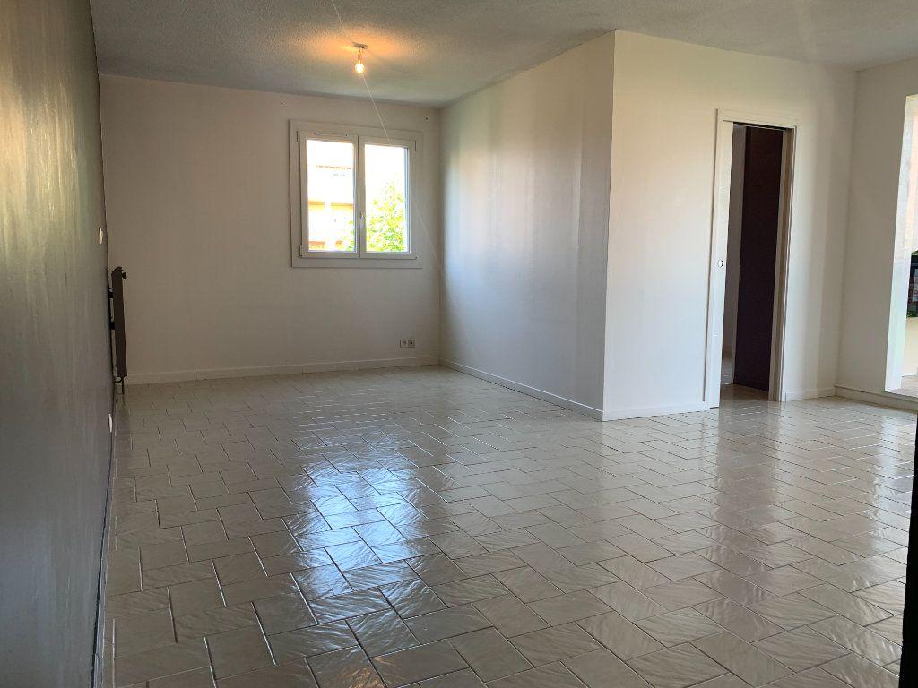 Appartement à louer 4 85.05m2 à Aix-en-Provence vignette-1