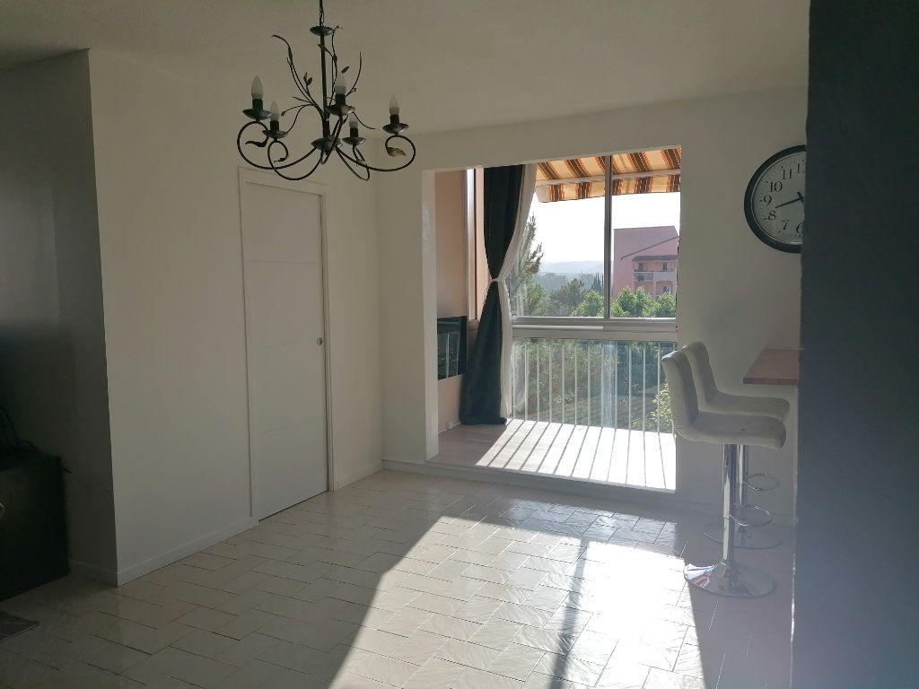 Appartement à louer 4 85.05m2 à Aix-en-Provence vignette-2