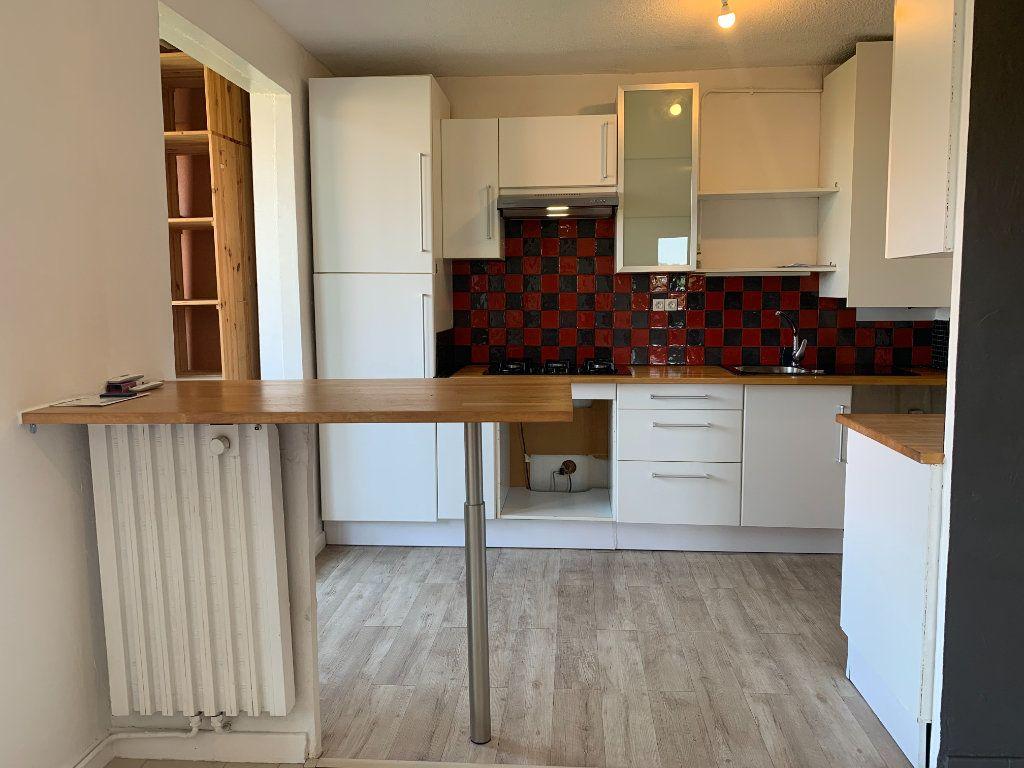 Appartement à louer 4 85.05m2 à Aix-en-Provence vignette-3