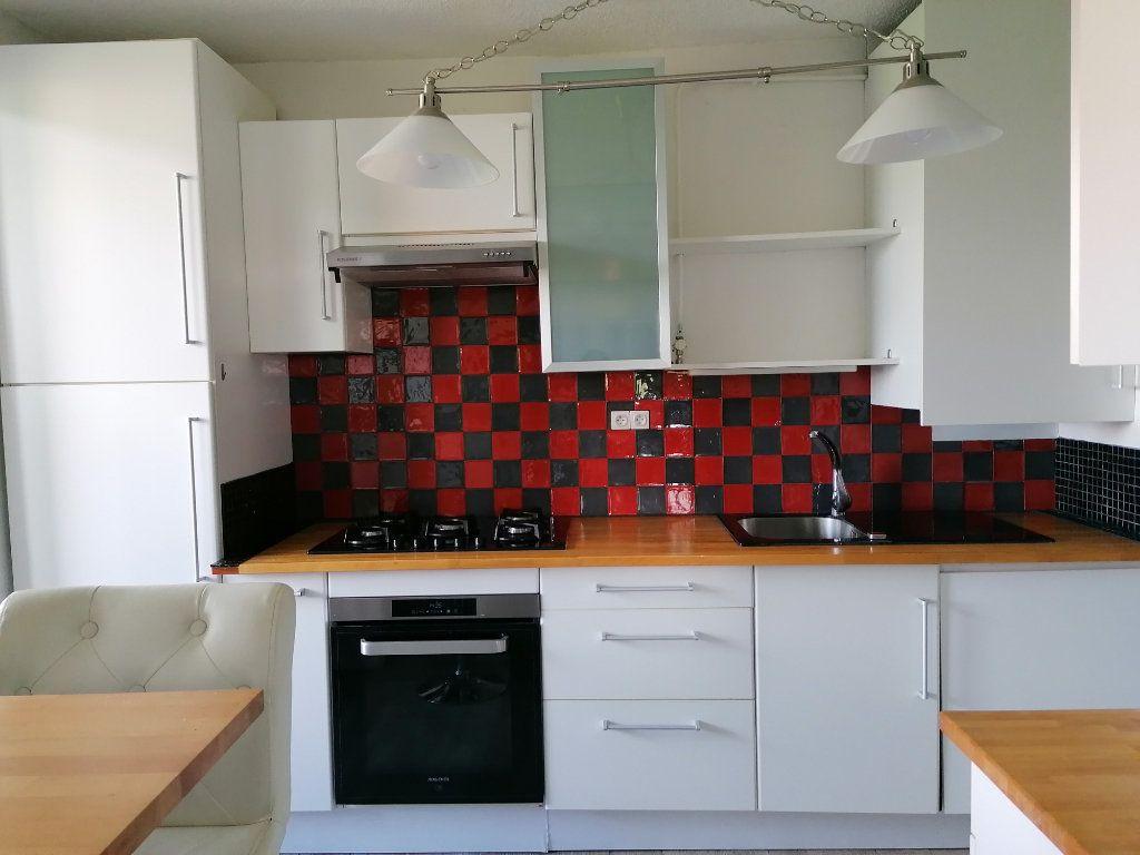 Appartement à louer 4 85.05m2 à Aix-en-Provence vignette-4