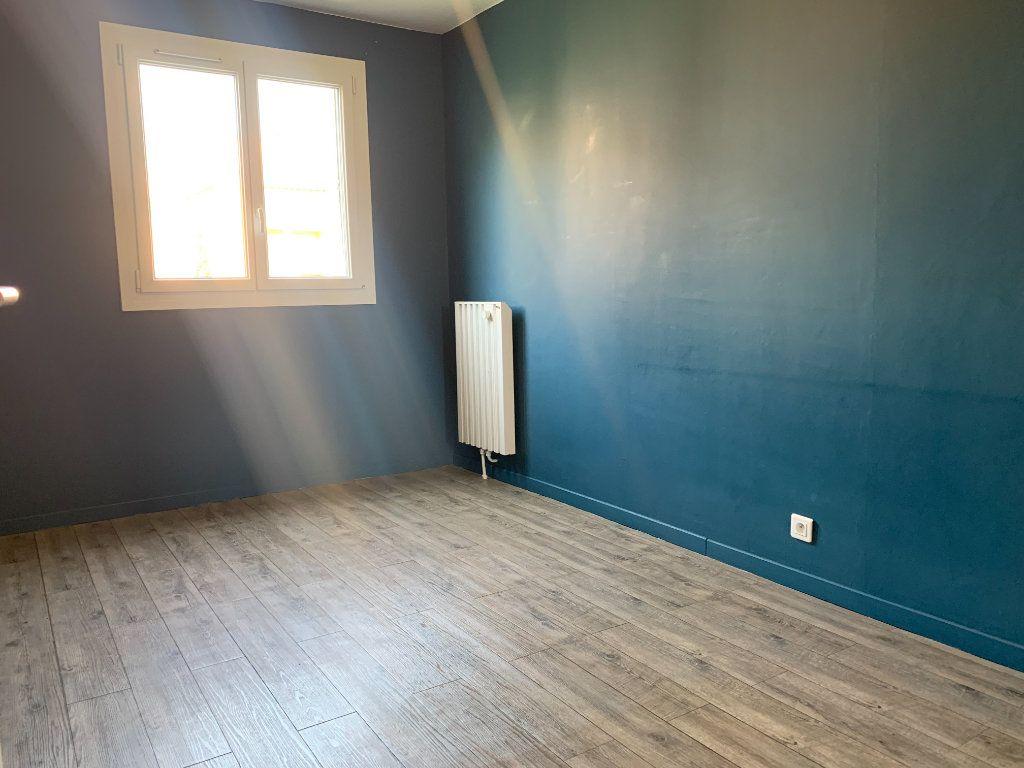 Appartement à louer 4 85.05m2 à Aix-en-Provence vignette-7