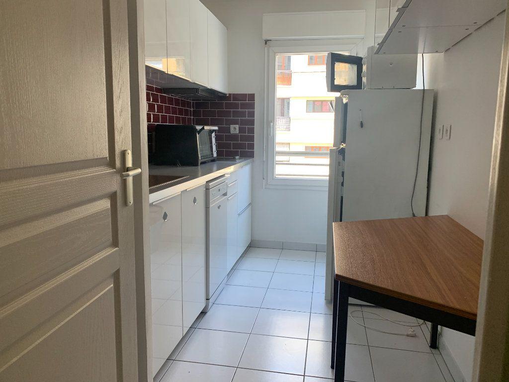 Appartement à louer 2 48.4m2 à Aix-en-Provence vignette-2