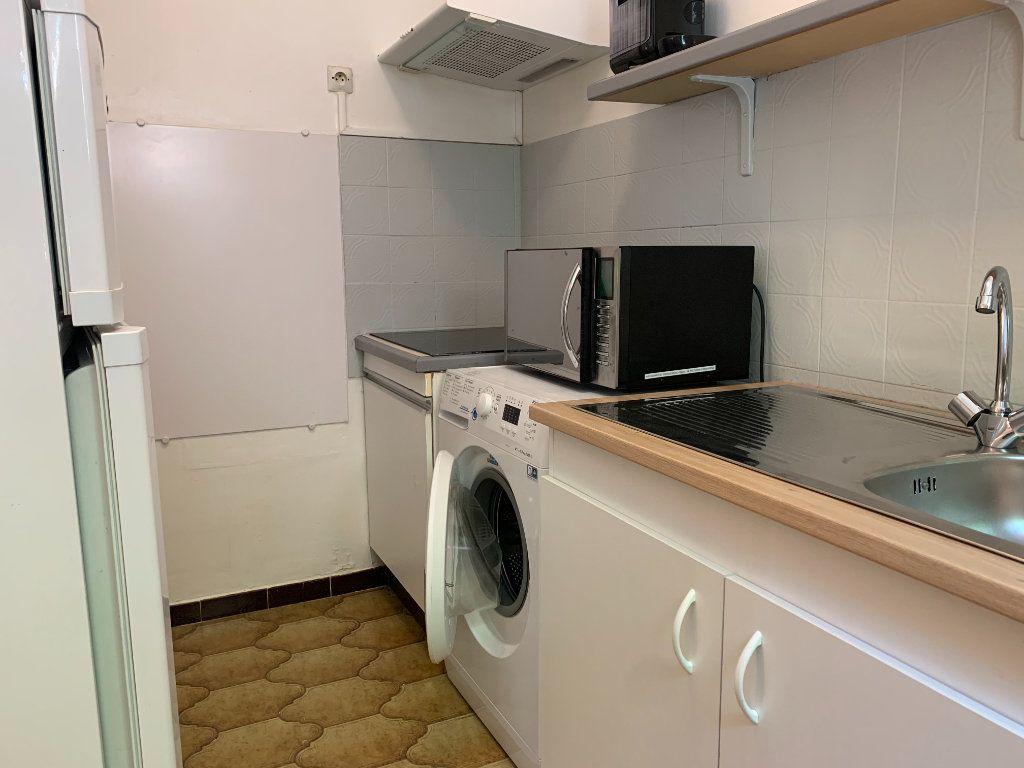 Appartement à louer 1 34.63m2 à Aix-en-Provence vignette-1