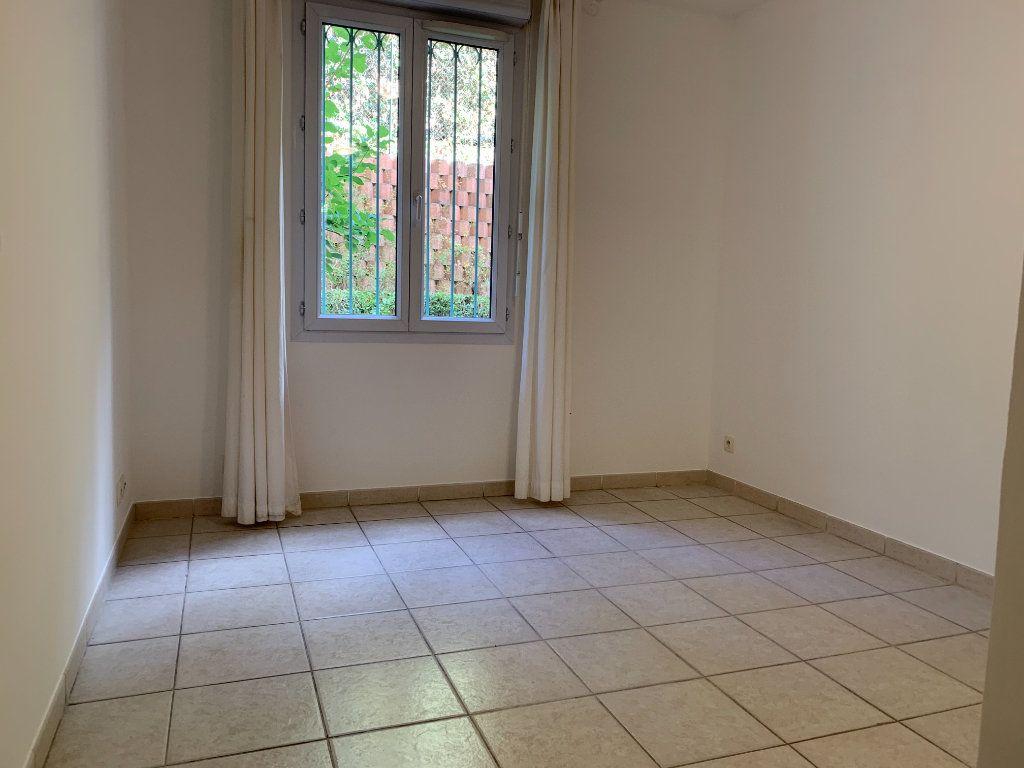 Appartement à louer 3 69.7m2 à Aix-en-Provence vignette-8