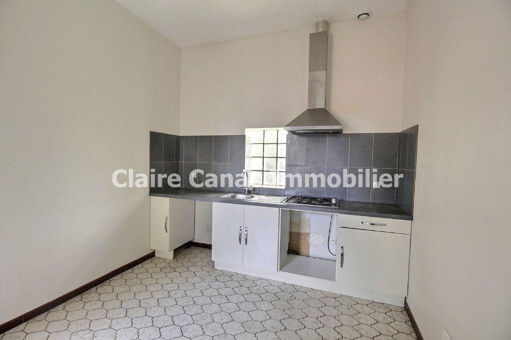 Appartement à louer 2 61m2 à Castres vignette-3
