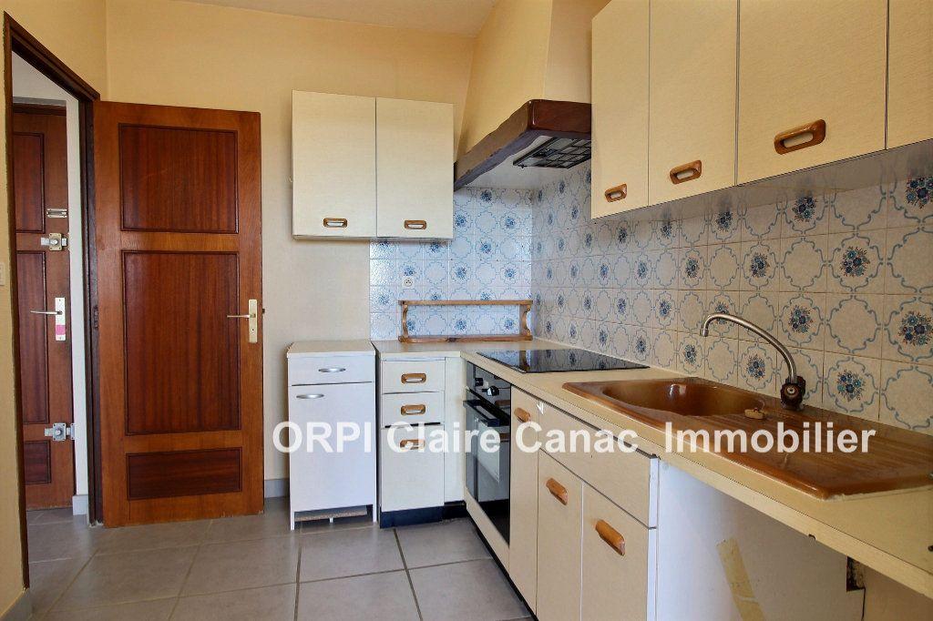 Appartement à louer 2 49m2 à Lavaur vignette-2