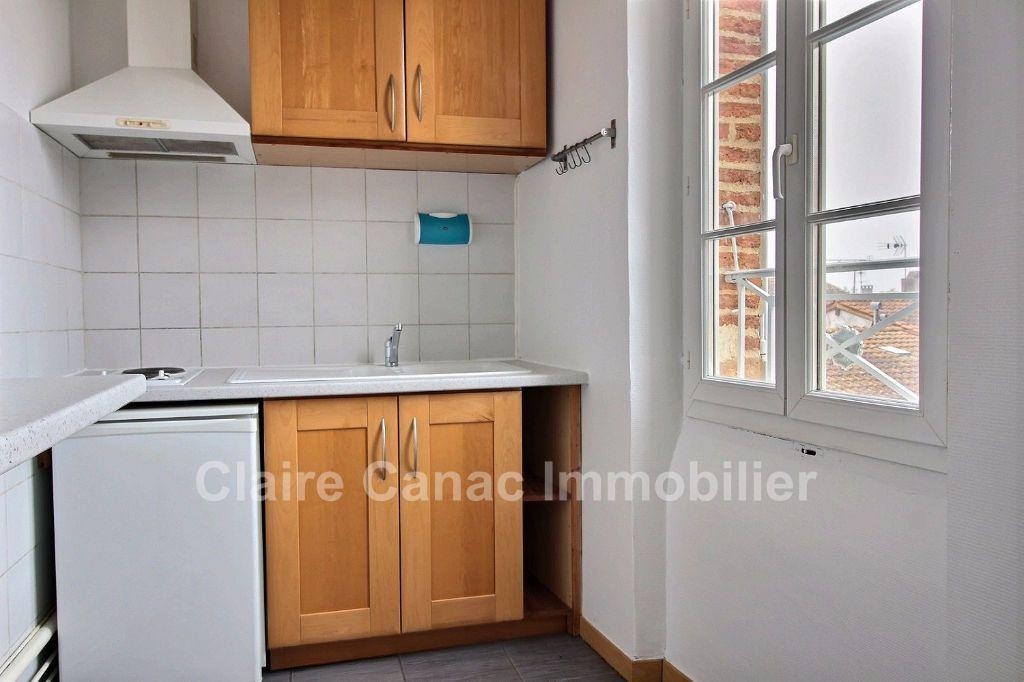 Appartement à louer 2 37m2 à Saint-Sulpice-la-Pointe vignette-3
