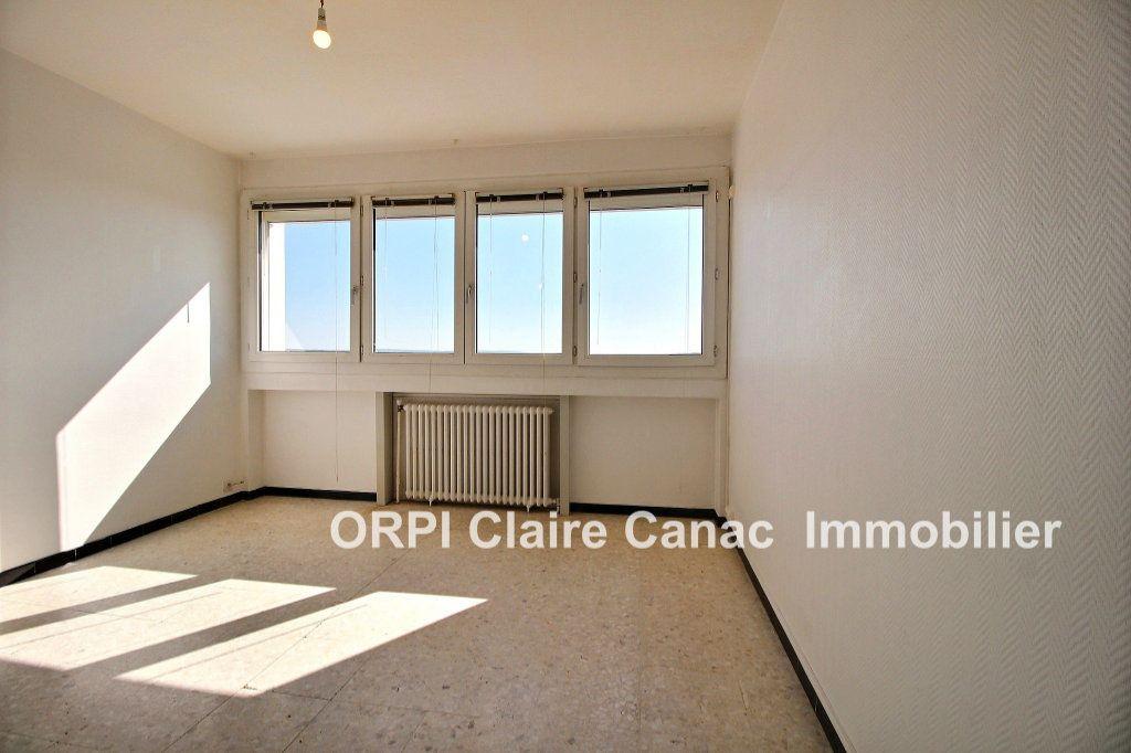 Appartement à louer 1 21.62m2 à Lavaur vignette-1